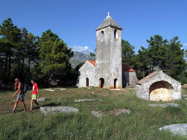 Crkva-sv-petar - Paklenica